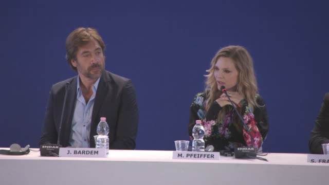 michelle pfeiffer, jennifer lawrence on her character being called gargoyle, on wanting to play each other characters, her character being very... - 第74回ベネチア国際映画祭点の映像素材/bロール