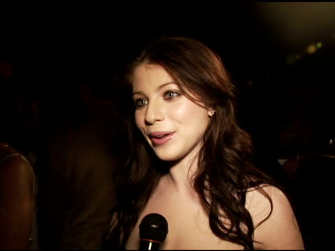 michelle trachtenberg on the classic style of prada, on the exhibit at the los angeles opening of 'waist down - skirts by miuccia prada' celebrated... - michelle trachtenberg stock videos & royalty-free footage