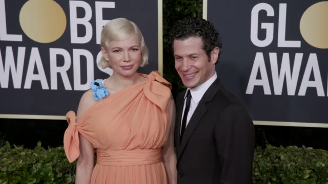 vídeos de stock, filmes e b-roll de michelle williams and thomas kail at 77th annual golden globe awards at the beverly hilton hotel on january 05 2020 in beverly hills california - michelle williams