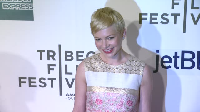 vidéos et rushes de michelle williams at take this waltz premiere 2012 tribeca film festival at borough of manhattan community college on april 22 2012 in new york new... - collège communautaire