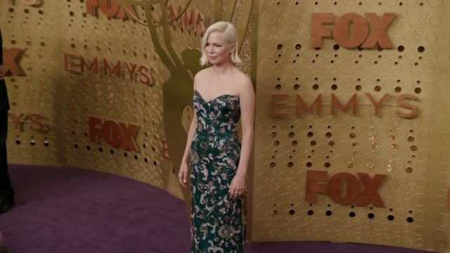 michelle williams at the 71st emmy awards - arrivals at microsoft theater on september 22, 2019 in los angeles, california. - emmy awards stock-videos und b-roll-filmmaterial