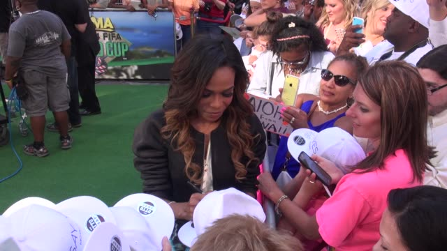 michelle williams of destiny's child signs for fans on the outside set of the good morning america show in celebrity sightings in new york, - destiny's child stock videos & royalty-free footage