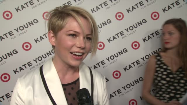 vídeos de stock, filmes e b-roll de interview michelle williams talks about her stylist kate young and her new line and collaboration with target at kate young for target launch event... - michelle williams