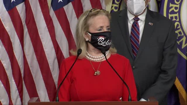 vidéos et rushes de michigan congresswoman debbie dingell says at a christmas eve news conference after a consent request to adjust direct checks under a coronavirus... - kérosène