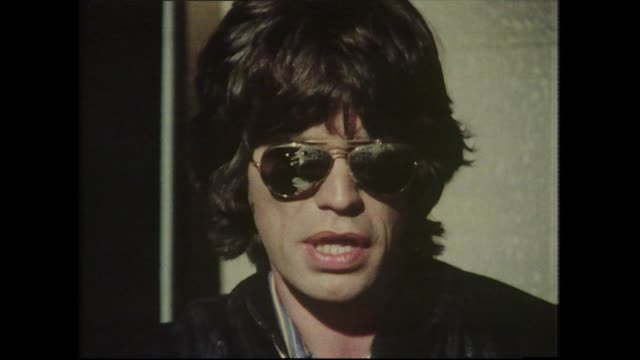 stockvideo's en b-roll-footage met mick jagger and ronnie wood, speaking in 1977, about the recording process for the 'love you live' album. - zorgeloos