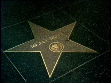 vídeos y material grabado en eventos de stock de mickey mouse & michael jackson stars on walk of fame - paseo de la fama