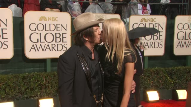 mickey rourke at the 67th annual golden globe awards arrivals part 3 at beverly hills ca - ゴールデングローブ賞点の映像素材/bロール
