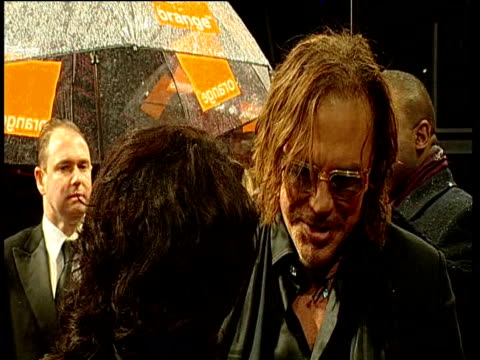 mickey rourke talks to press at british academy of film and television arts awards london 8 february 2009 - mickey rourke actor stock videos & royalty-free footage