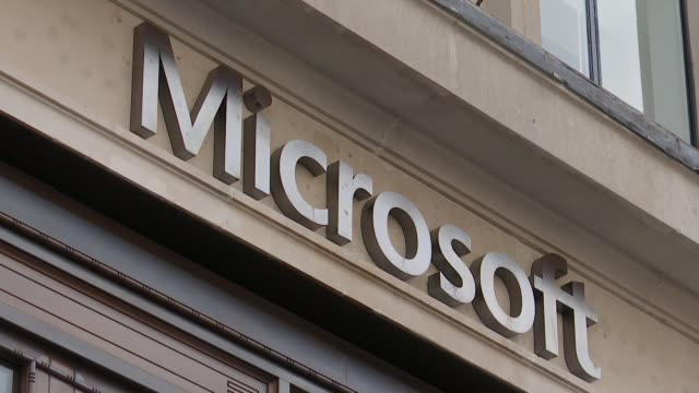 microsoft opens flagship store in london england london oxford circus ext microsoft logo signs outside new microsoft store / people along outside... - logo stock-videos und b-roll-filmmaterial