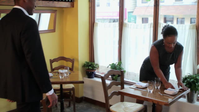mid adult couple running a restaurant  - gastwirt stock-videos und b-roll-filmmaterial
