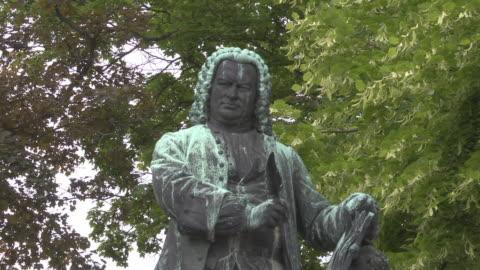 mid shot of bronze statue of johann sebastian bach - johann sebastian bach stock videos & royalty-free footage