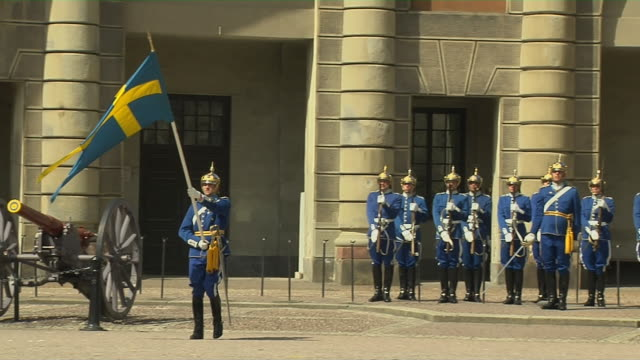 mid shot royal palace parade stockholm sodermanland sweden - svezia video stock e b–roll