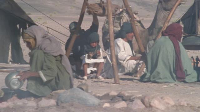 CU, PAN, Middle East, Nomadic people in desert camp