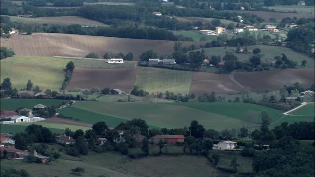 vidéos et rushes de midi-pyrénées paysages-vue aérienne-midi-pyrénées, tarn-et-garonne, arrondissement de montauban, france - village