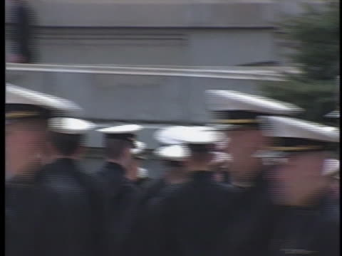 midshipmen and midshipwomen march randomly together at the u.s. naval academy in annapolis, maryland. - 士官候補生点の映像素材/bロール