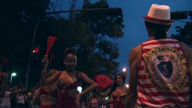 Mid-shot: 'Mulatto Queen' Dances At Rio Carnival