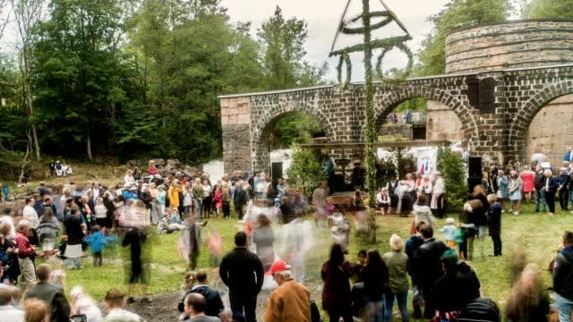 stockvideo's en b-roll-footage met midsummer festival timelapse - zomerzonnewende