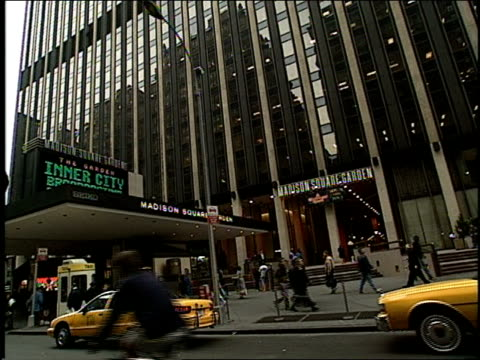 midtown manhattan and madison square garden in 1994 new york city - anno 1994 video stock e b–roll