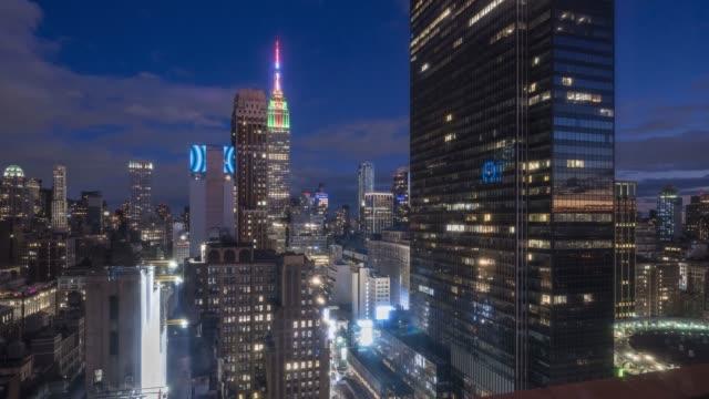 midtown manhattan twilight time lapse - new york city penn station stock videos & royalty-free footage