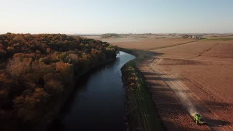 midwest autumn harvest scene - harvesting stock videos & royalty-free footage