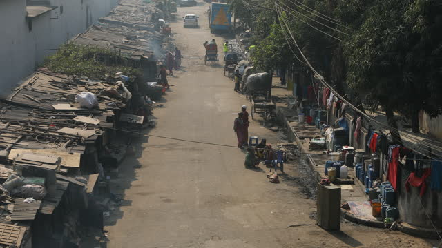 migrant peoples lifestyles in slums near rail lines in dhaka, bangladesh on january 26, 2020. every day, some 2,000 people settle in the bangladeshi... - girls stock videos & royalty-free footage