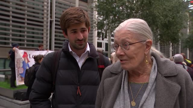 Promigrants demonstration Protesters and banner outside Home Office / Vanessa Redgrave interview with George Gabriel beside SOT on refugee crisis /...