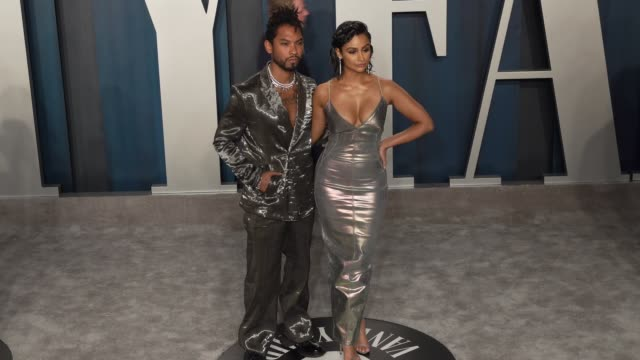 vidéos et rushes de miguel and nazanin mandi at vanity fair oscar party at wallis annenberg center for the performing arts on february 09 2020 in beverly hills california - vanity fair