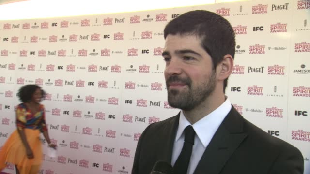 interview miguel angel munoz on this being his first time at the spirit awards wearing piaget and what films/actors he is routing for at the oscars... - angel点の映像素材/bロール