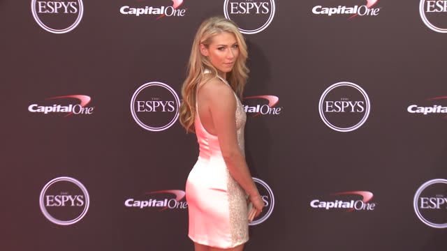 vídeos de stock, filmes e b-roll de mikaela shiffrin at the 2018 espys at microsoft theater on july 18 2018 in los angeles california - espy awards