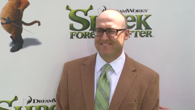 mike mitchel at the 'shrek forever after' premiere at universal city ca - universal city video stock e b–roll
