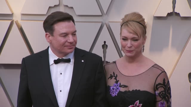 vídeos de stock e filmes b-roll de mike myers and kelly tisdale walking the red carpet at the 91st annual academy awards at the dolby theater in los angeles, california. - cultura jovem