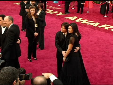 mike myers and wife robin ruzan at the 2005 annual academy awards arrivals at the kodak theatre in hollywood california on february 28 2005 - 第77回アカデミー賞点の映像素材/bロール