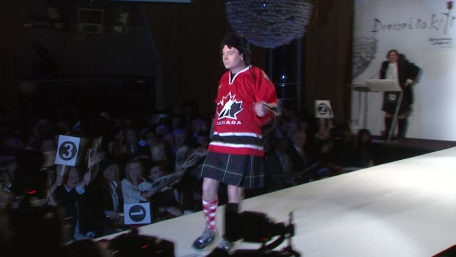 mike myers at the 7th annual 'dressed to kilt' charity fashion show at new york ny - dressed to kilt stock videos & royalty-free footage