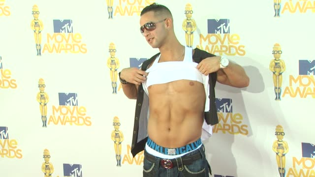 mike sorrentino at the 2010 mtv movie awards at universal city ca. - 2010 stock videos & royalty-free footage