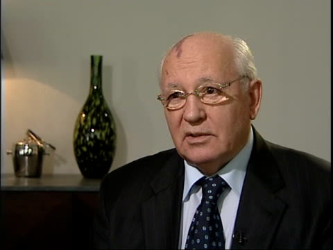 mikhail gorbachev interview mikhail gorbachev interview sot on how he built relationship with thatcher / on difficulties establishing perestroika in... - 改革点の映像素材/bロール