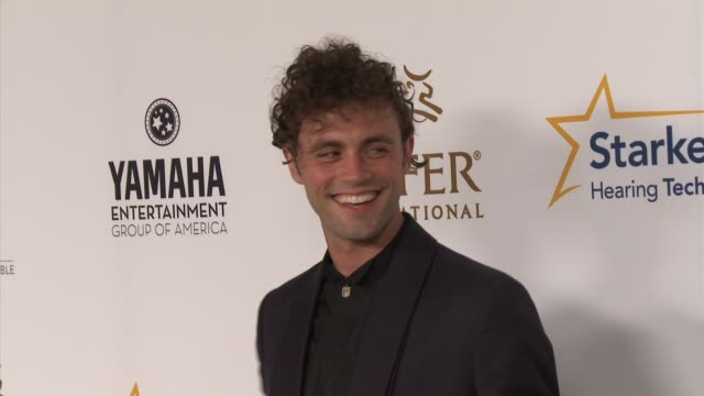 """mikky ekko - heifer international hosts 3rd annual beyond hunger: """"a place at the table"""" gala at montage beverly hills on august 22, 2014 in beverly... - モンタージュ・ビバリーヒルズ点の映像素材/bロール"""