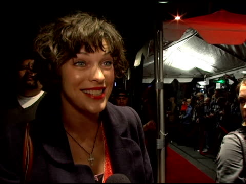vídeos de stock, filmes e b-roll de mila jovovich on being excited to see the show at the 'hedwig and the angry inch' special vip viewing at the roxy theater in west hollywood... - milla jovovich