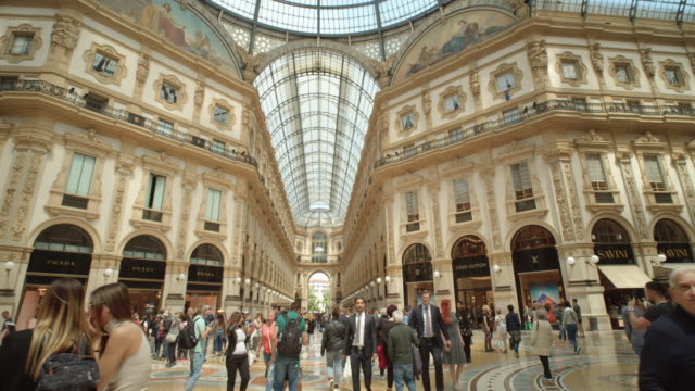 milan galleria vittorio emanuele ii gallery indoors filmed with steadicam dolly shot - dolly shot video stock e b–roll