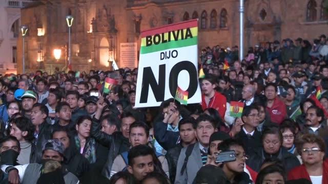 miles de bolivianos marcharon a favor y en contra de la posibilidad de que el presidente evo morales pueda volver a postularse para un nuevo mandato... - evo morales stock videos & royalty-free footage