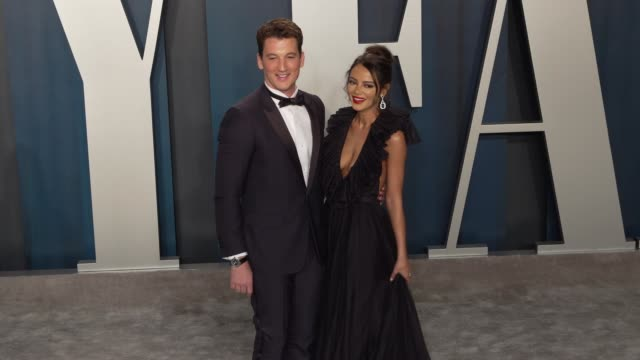 vidéos et rushes de miles teller and keleigh sperry at vanity fair oscar party at wallis annenberg center for the performing arts on february 09 2020 in beverly hills... - vanity fair