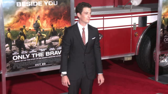 miles teller at the only the brave premiere at regency village theatre on october 08 2017 in westwood california - only the brave 2017 film stock videos & royalty-free footage