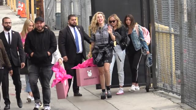 stockvideo's en b-roll-footage met miley cyrus and leticia jean cyrus greet fans outside jimmy kimmel live at el capitan theater in hollywood on may 01 2018 at celebrity sightings in... - el capitan theater