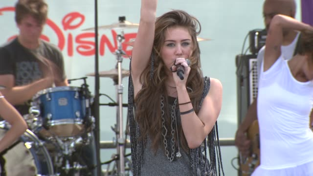 Miley Cyrus at the 20th Anniversary 'A Time For Heroes' Celebrity Carnival Sponsored By Disney at Los Angeles CA
