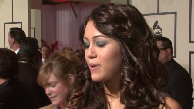 miley cyrus at the 50th annual grammy awards at los angeles california - anno 2008 video stock e b–roll