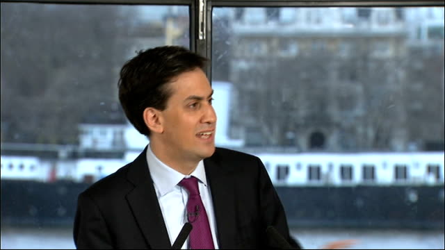 miliband calls for labour to be realistic about economic challenges speech and what are the government doing about it nothing they are afraid to take... - fare video stock e b–roll