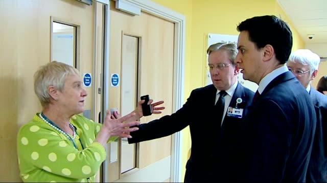 miliband visit to university college hospital england london university college hospital int sign warning of the dangers of infection / labour party... - säkerhetsskanner bildbanksvideor och videomaterial från bakom kulisserna
