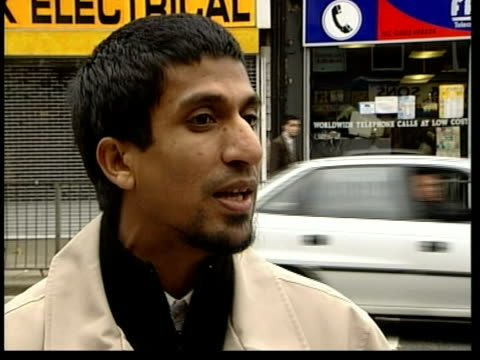 stockvideo's en b-roll-footage met britons killed fighting for the taliban itn england bedfordshire luton ext members of islamic fundamentalist group almuhajiroun speaking to press... - military recruit