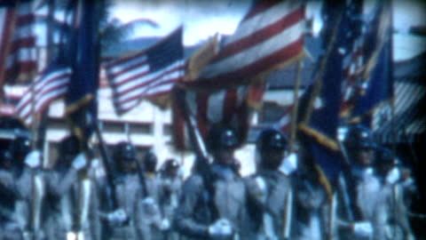 stockvideo's en b-roll-footage met military color guard 1950's - optocht
