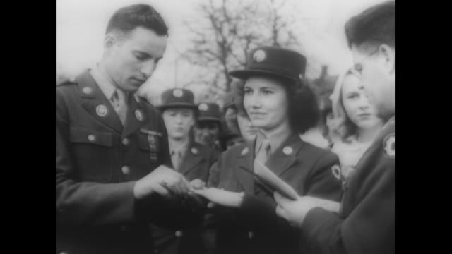 Military couple marry in daffodil field during WWII