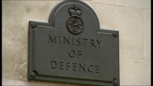 military covenant to be enshrined in law england london ministry of defence general views of mod building reporter to camera - ministero della difesa video stock e b–roll